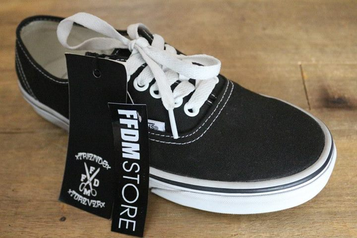 e67caa211f79bf Vans – authentic Black white ( GSI ) IDR 550k size 7. Published August 2
